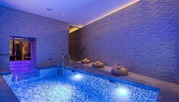 Top-Luxury-Gay-Honeymoon-Hotel-Prague-Old-Town-with-Swimming-Pool-Hotel-Kings-Court