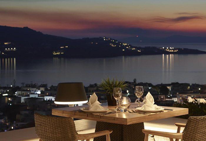Top-Sea-View-Restaurant-in-Mykonos-Town-Gayborhood-Hotel-Vencia-Boutique-Hotel