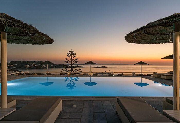 Update-Ideas-Hotel-for-Honeymoon-Couple-in-Mykonos-Town
